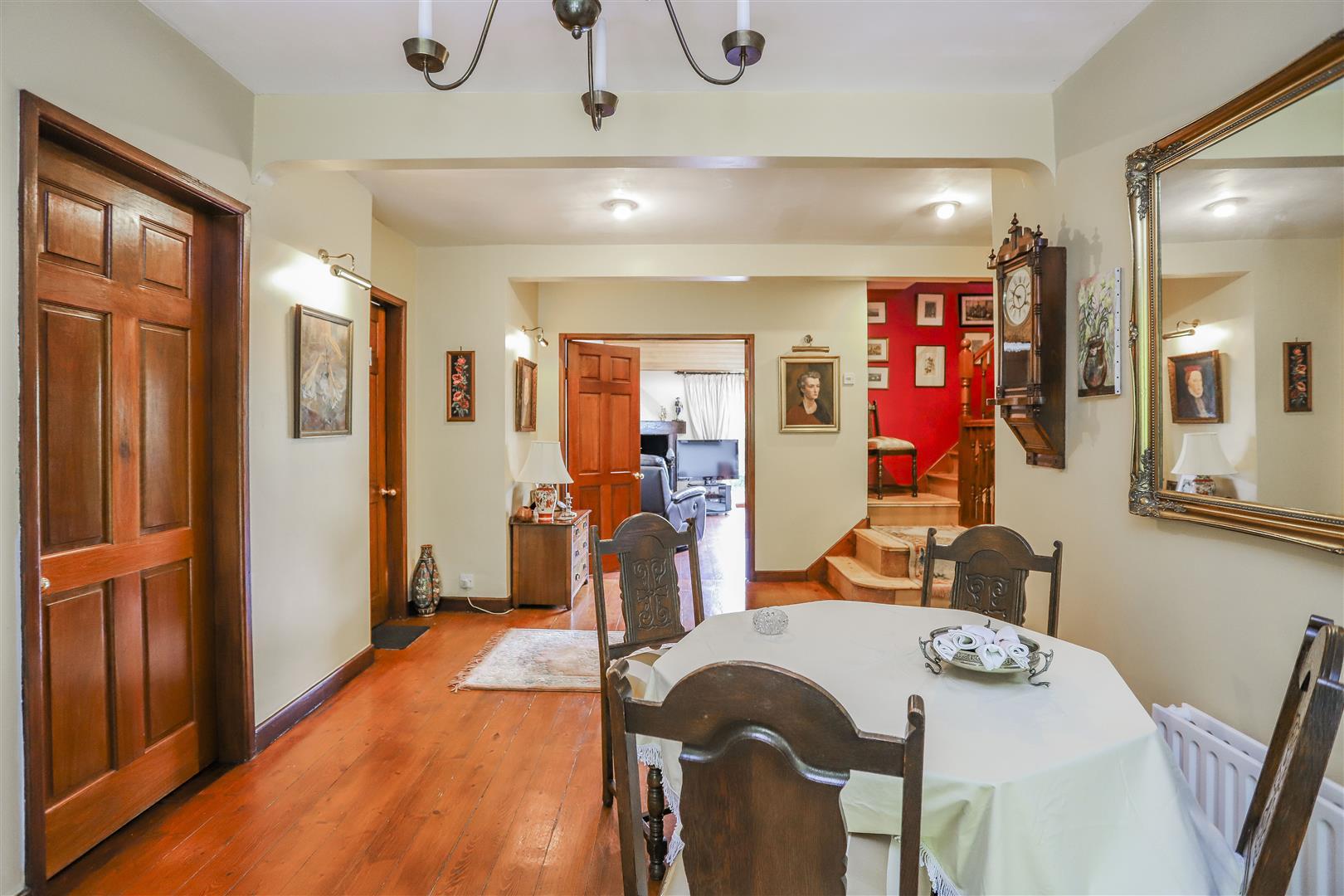5 Bedroom Detached House For Sale - 22.JPG